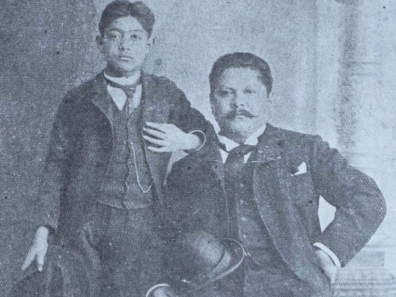 José Guadalupe Posada (right) with his son (left). (Courtesy New World Prints Collection)